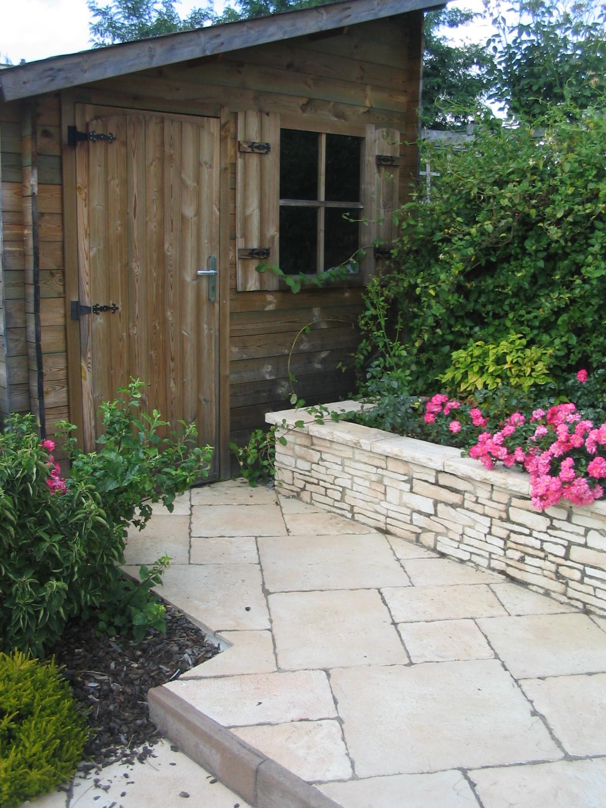 Cabanon de jardin style classique