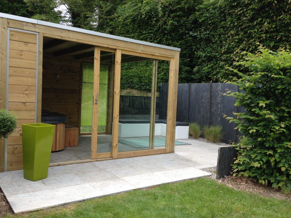 Abri de spa avec terrasse moderne - Abris SPA