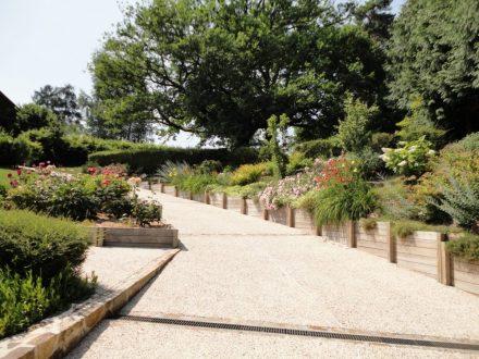 allee beton top pav carrossable gris en bton faire une alle de jardin en pavs plus with allee. Black Bedroom Furniture Sets. Home Design Ideas