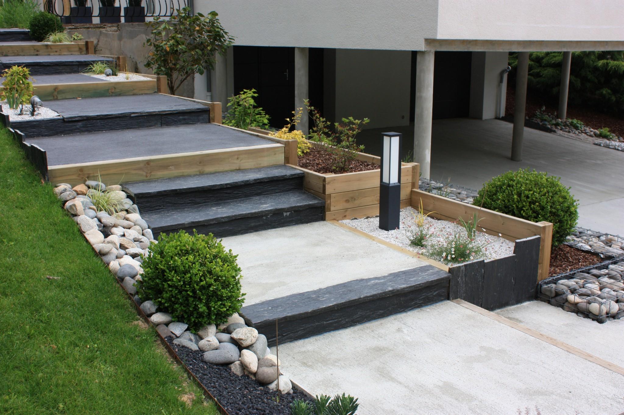 Escalier décoratif béton et ardoise
