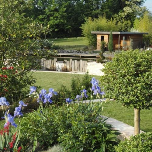 massif, végétaux, massif végétaux, abris jardin, création jardin limoges, abris jardin limoges, fontaine, fontaine limoges, création fontaine limoges, rebeyrol
