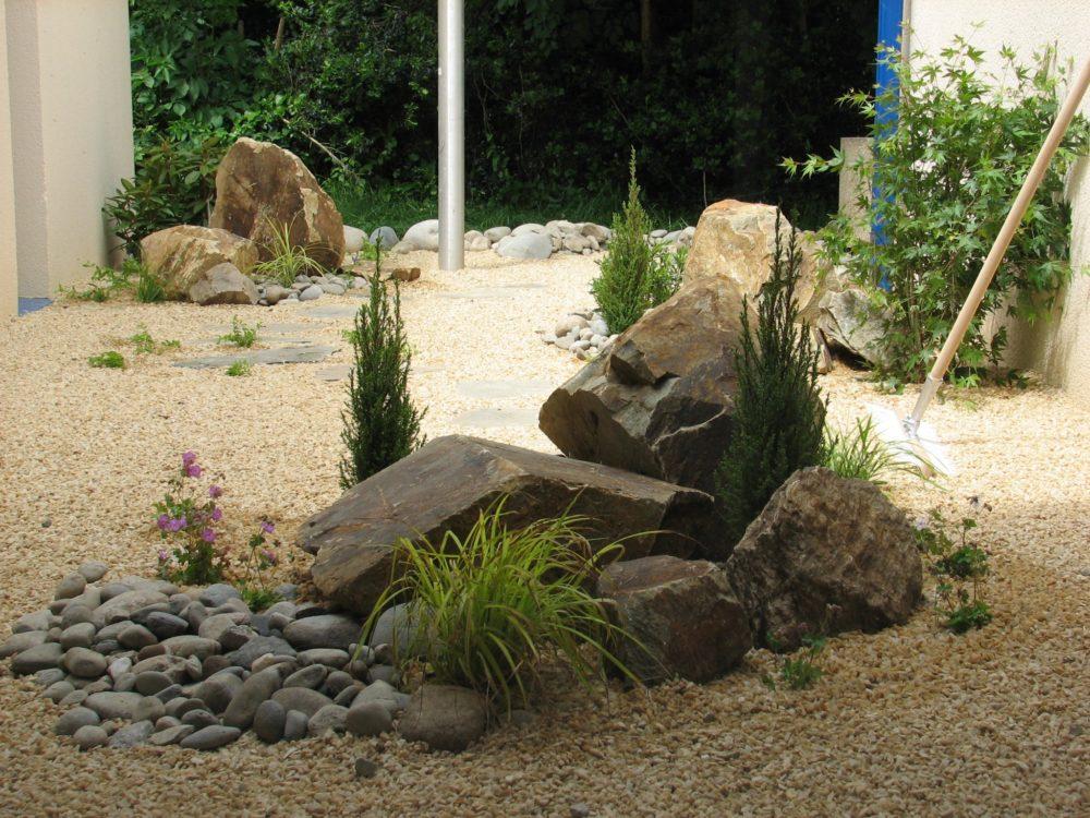 massif min ral rebeyrol am nagement et entretien des jardins. Black Bedroom Furniture Sets. Home Design Ideas