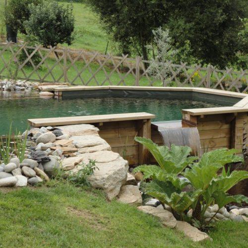 Bassin de baignade naturel semi enterr cascade rebeyrol - Piscine bassin beton limoges ...