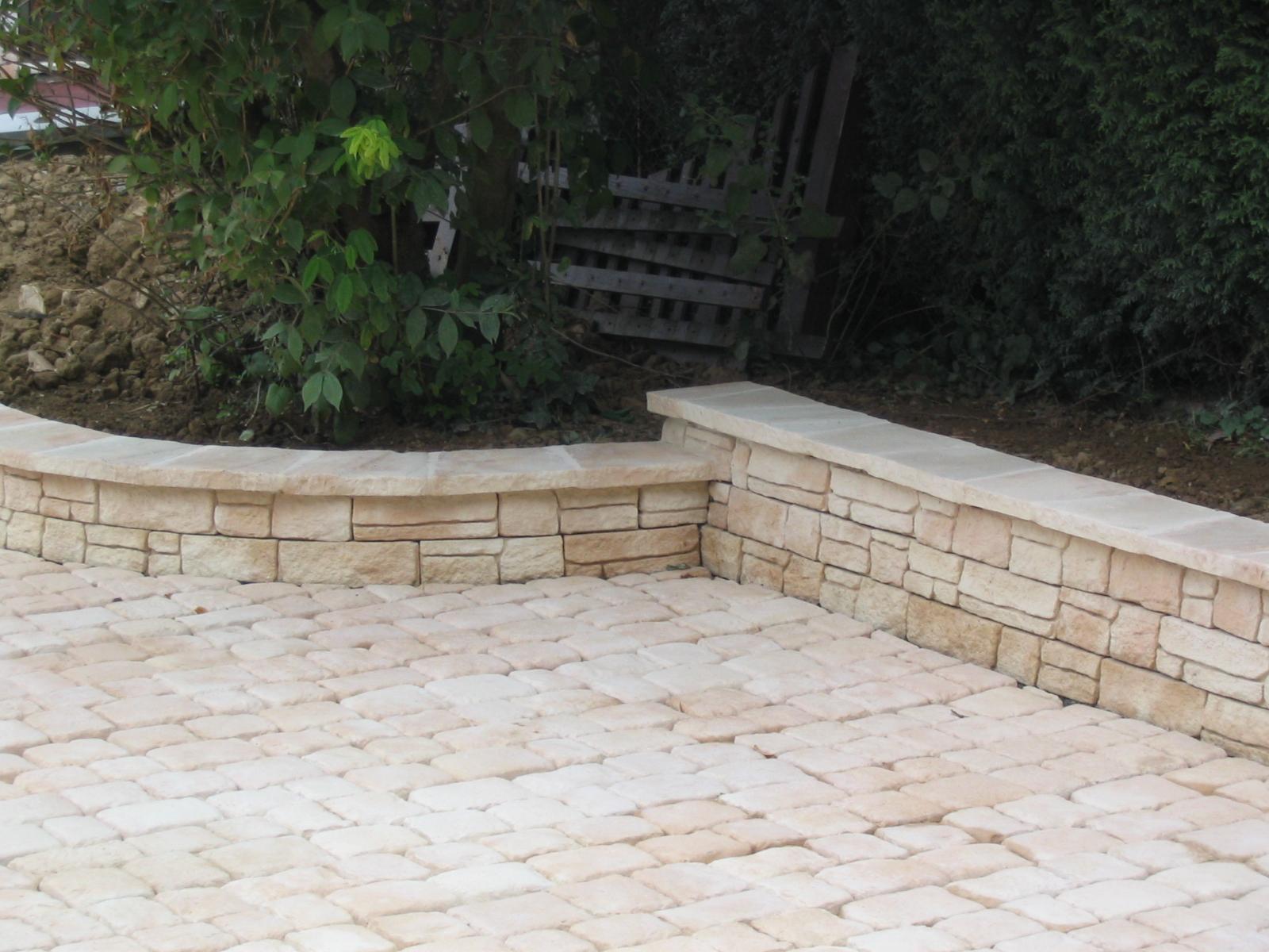 Muret En Pierre Reconstituée concernant escaliers et murets | rebeyrol - cr�ateur de jardins