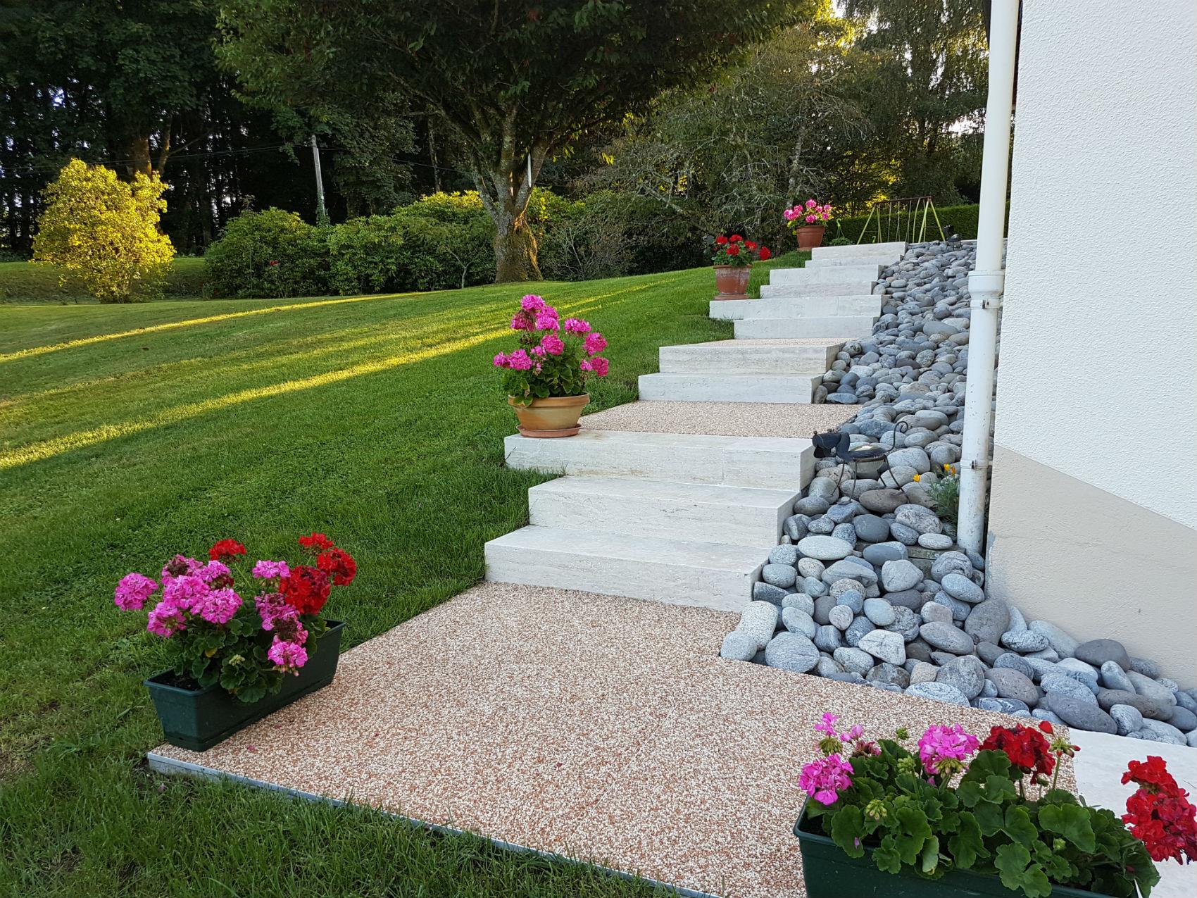 Escalier et muret | Rebeyrol : aménagement et entretien des jardins ...