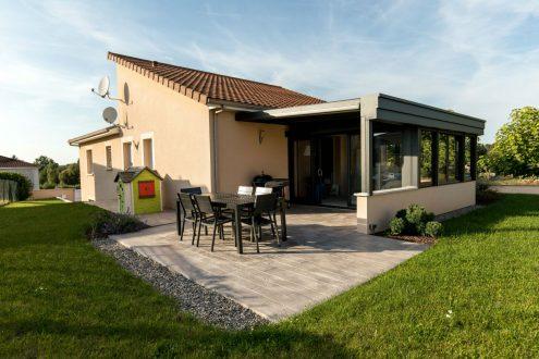 Terrasse En Beton Imprime Imitation Bois Rebeyrol Amenagement Et Entretien Des Jardins