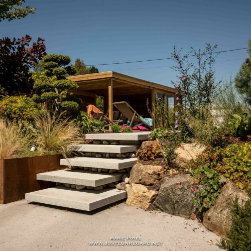 Escalier suspendu – Dalle en granit
