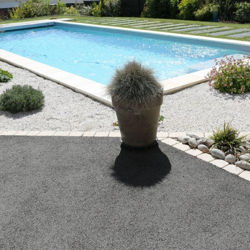 Tour de piscine minéralisé